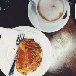 croissant & coffee from Vallee d'Brume